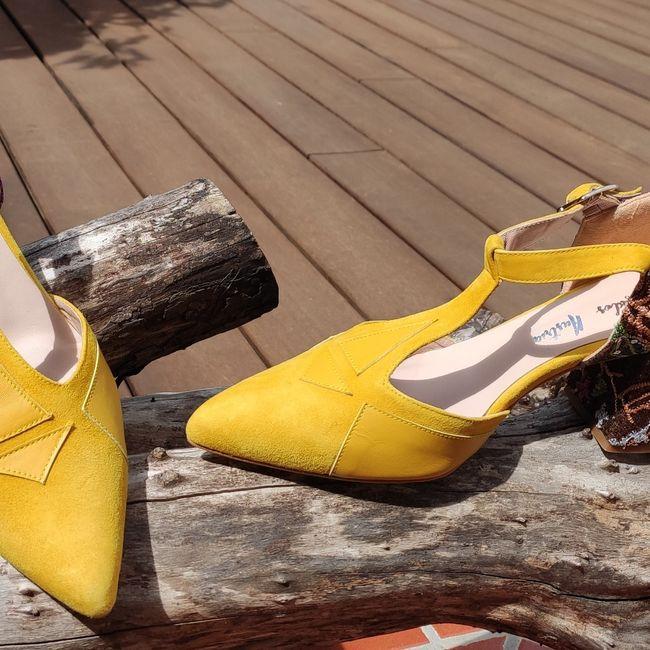 Quiero zapatos color mostaza.... 1