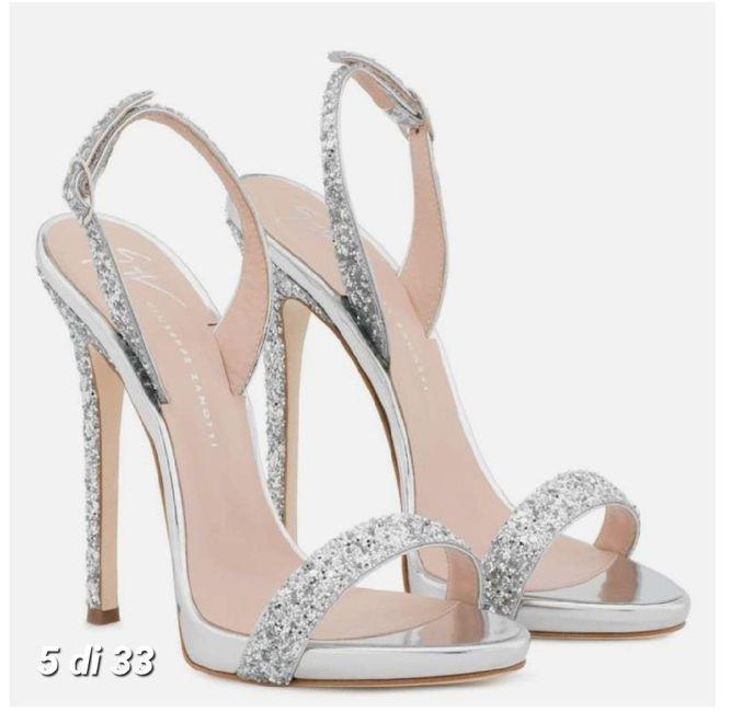 Hola chicas . necesito una ayudita . aun ne faltan mus zapatos de novia , aunque en mi caso serian s