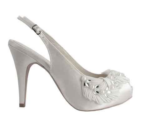 zapato peep toes
