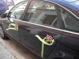 coche negro con flores 3