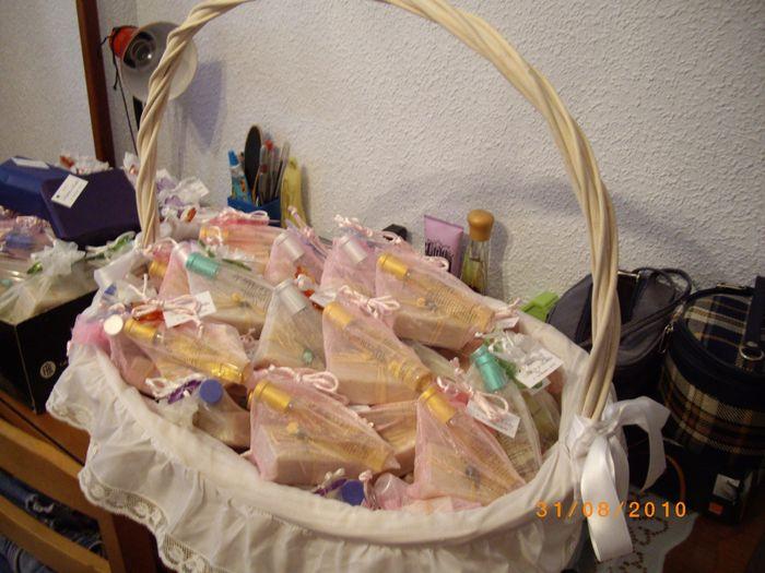 cesta de regalitos