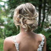 Que tipo de peinado le pondrias a este vestido, teniendo en cuenta que es boda de noche? - 1