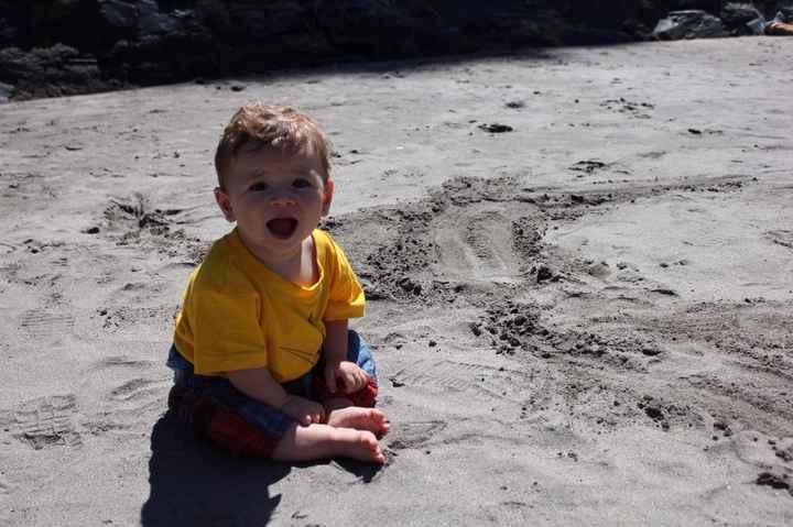 Su primera vez en la playa (Luarca, Asturias)