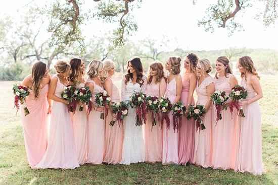 damas en rosa