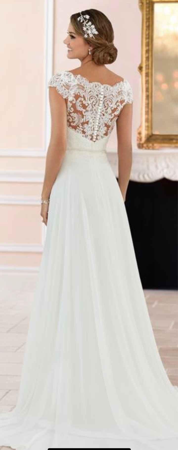 Espalda del vestido en blanco o con algo de color? - 1