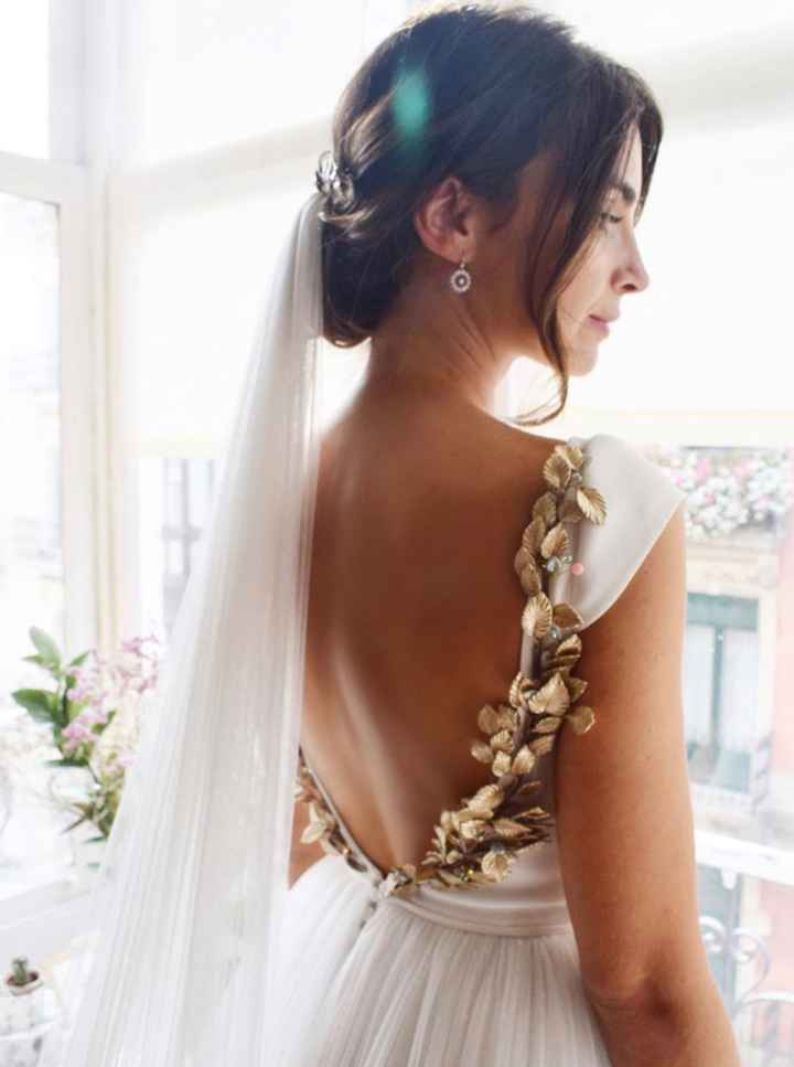 Espalda del vestido en blanco o con algo de color? - 2