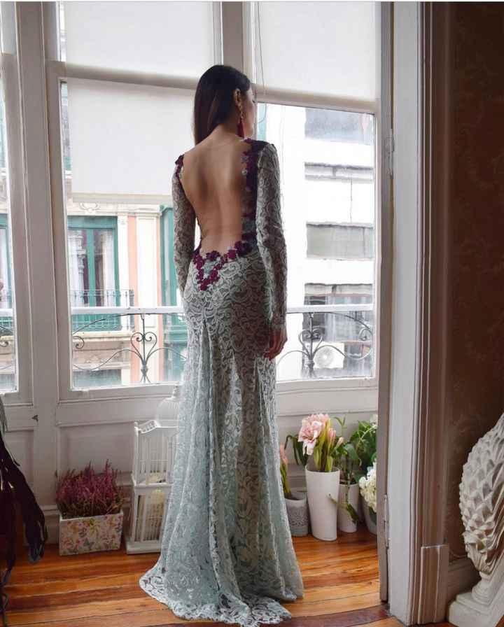 Espalda del vestido en blanco o con algo de color? - 3
