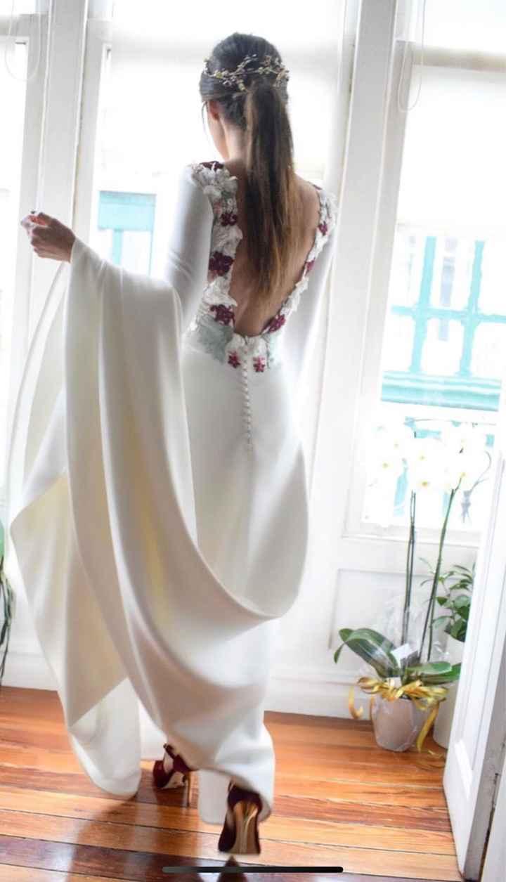 Espalda del vestido en blanco o con algo de color? - 4