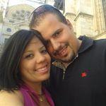 Claudia y John