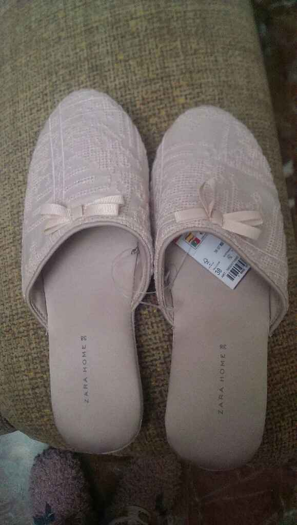 Buscando zapatillas de novia - 1