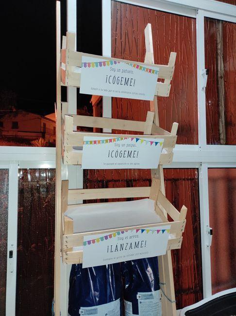 detalles de mi Boda. Mueble de la iglesia con pañuelos de papel paipais y arroz. - 1