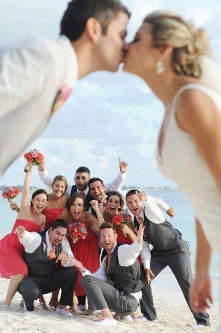 La persona que más ligará en tu boda será _______ 😎 1