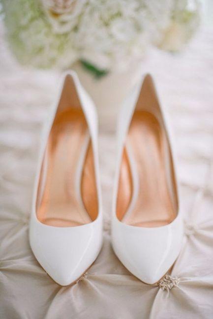 Zapatos, ¿de color o blancos? 2