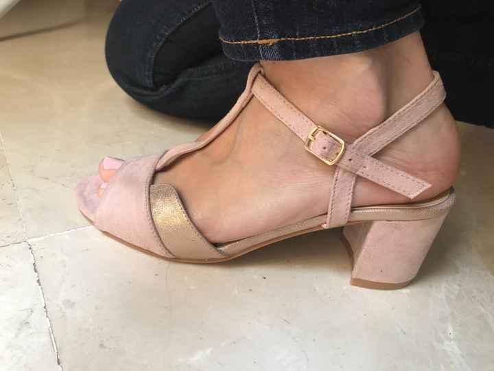 Feliz con mis zapatos y mi velo! - 2