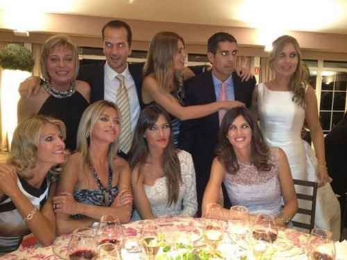 Sara Carbonero de blanco en una boda!