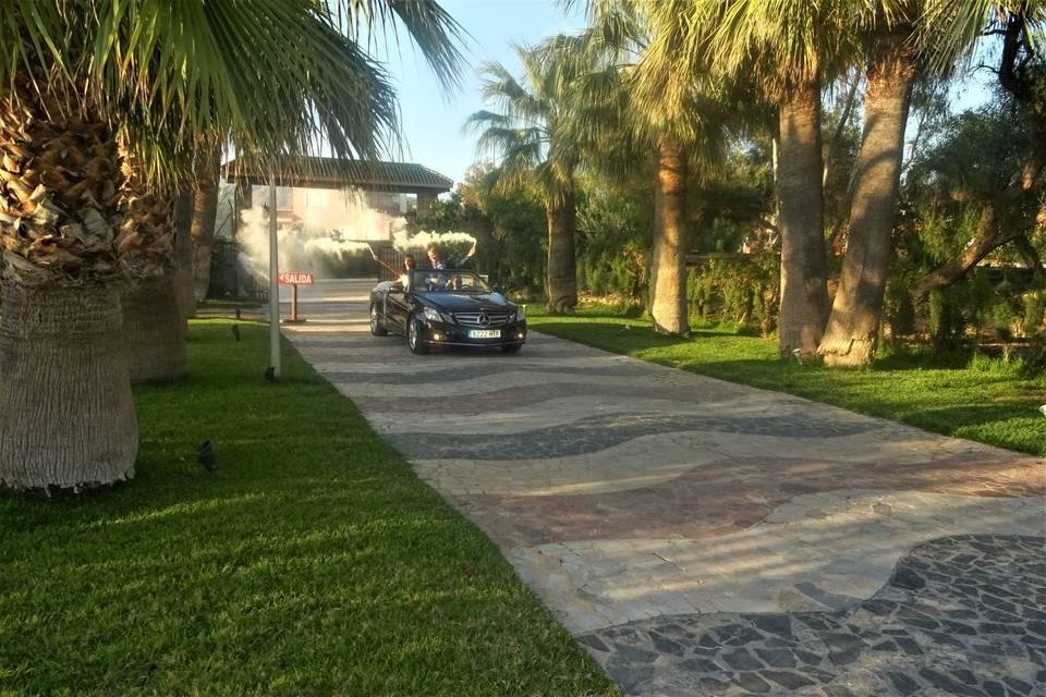 Nuestro Mercedes entrando