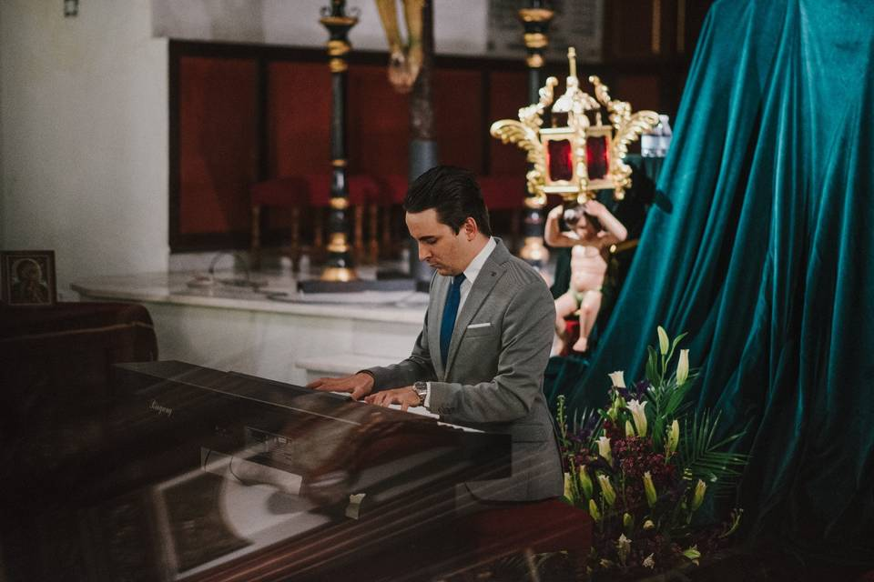 Pianista Miguel Ángel