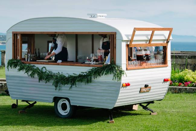 Alegra 66 Caravan Bar