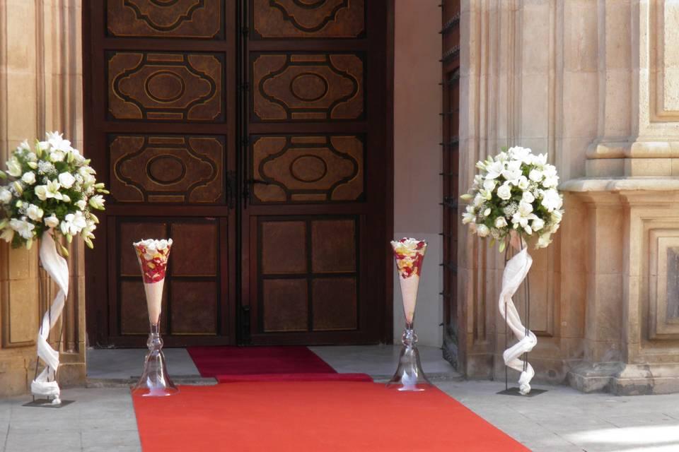 Decoración para la entrada a la iglesia
