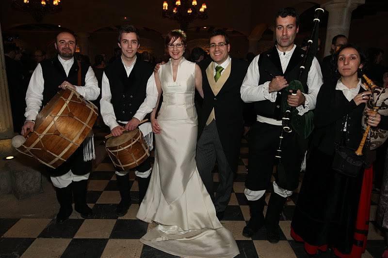 Grupo de gaiteros para la boda
