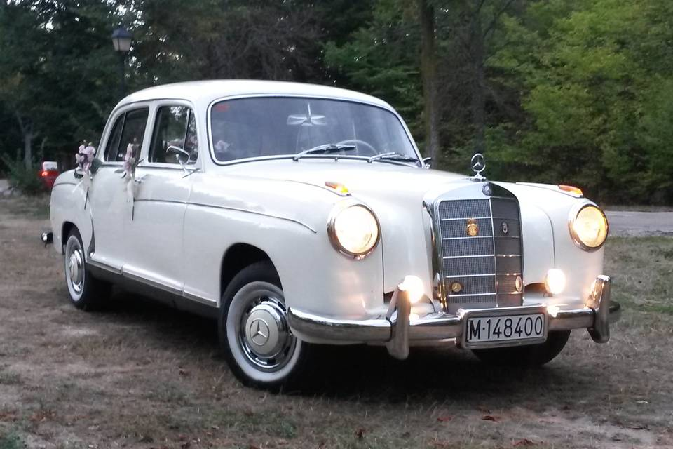 Mercedes 220s, 1956