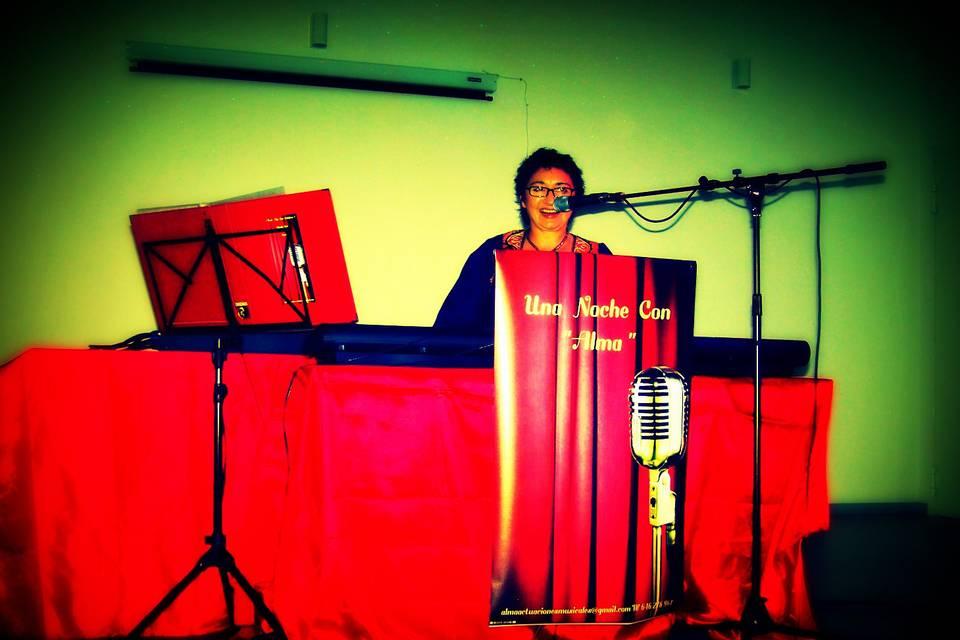 Alma cantante y teclista