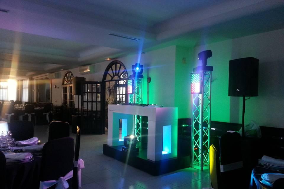 Cabina y DJ para bodas