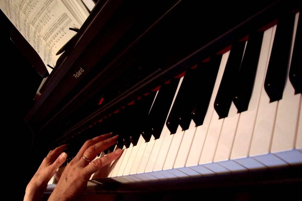 Pianista componiendo