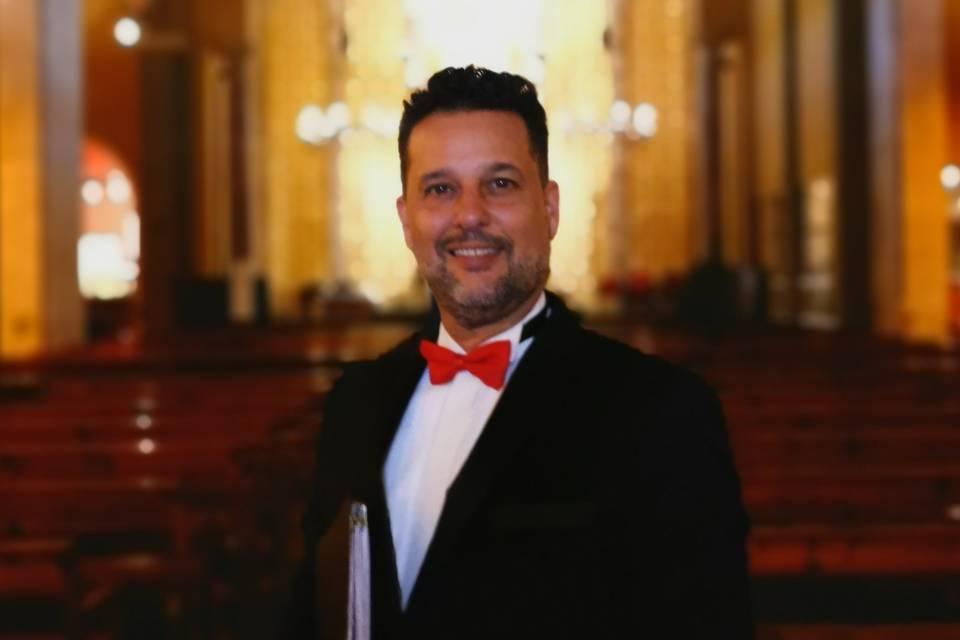 Juan Luis Domínguez - Tenor