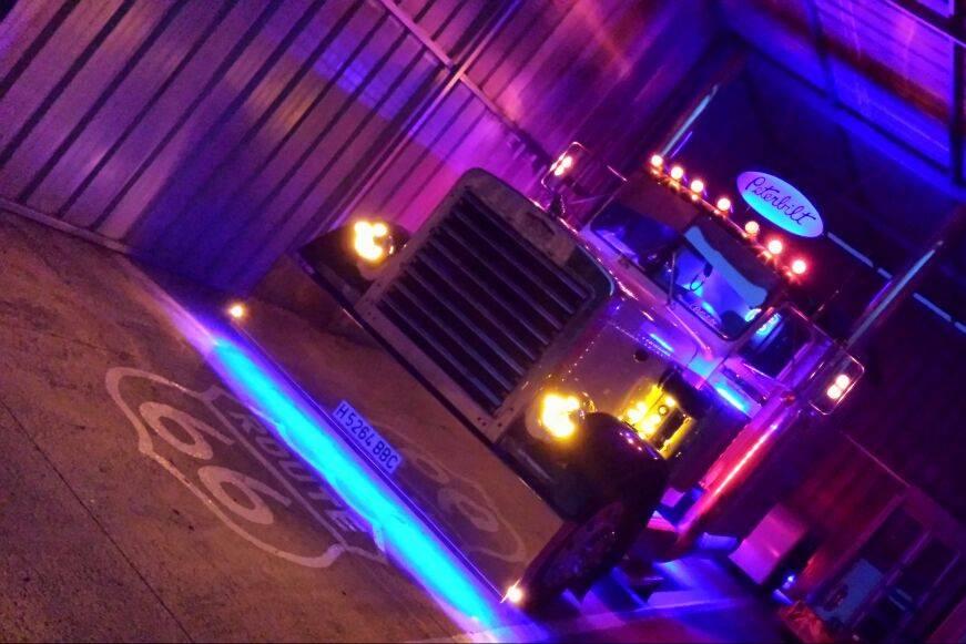 Camión de noche