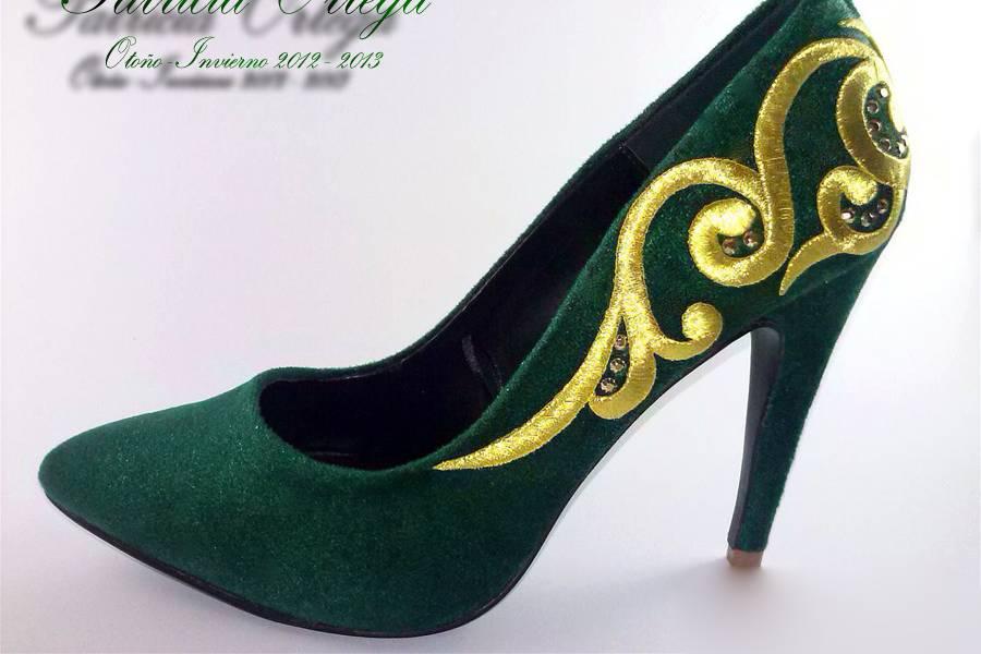 Zapatos forrados y decorados