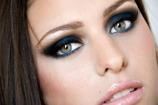Lisa Violeta Make Up