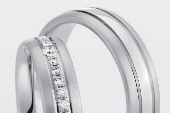 Oro blanco y diamantes