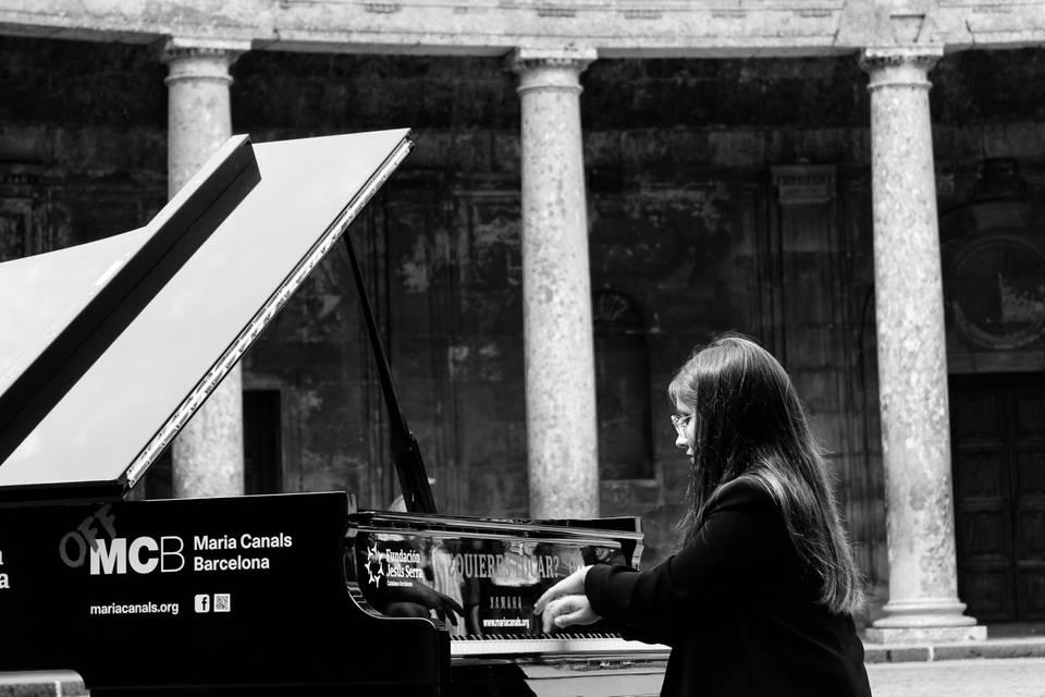 Emma Cornejo Pianista