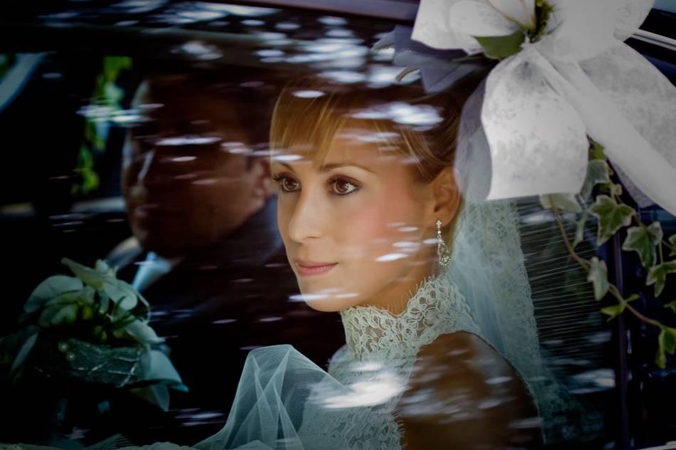 La novia dentro del coche