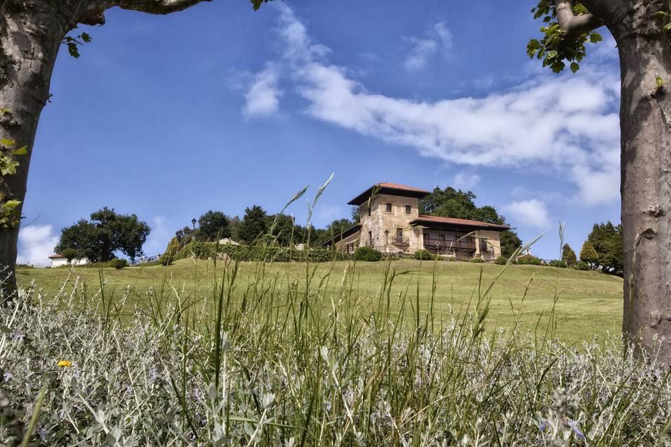 Fachada Palacio de La Riega