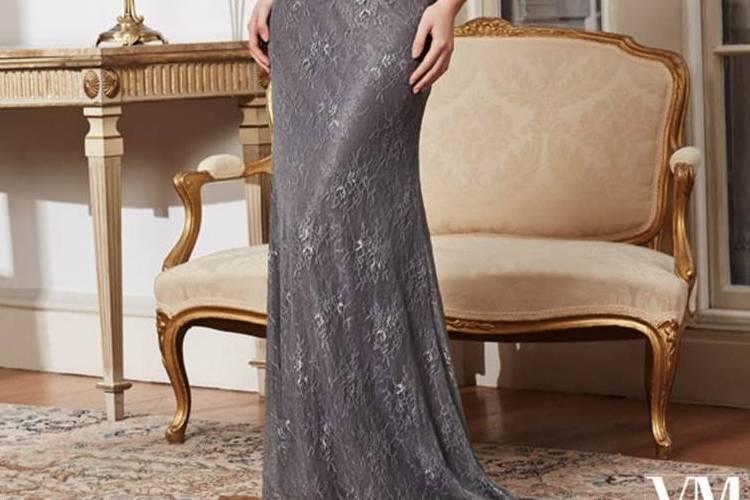 Elegante gris con pedrería