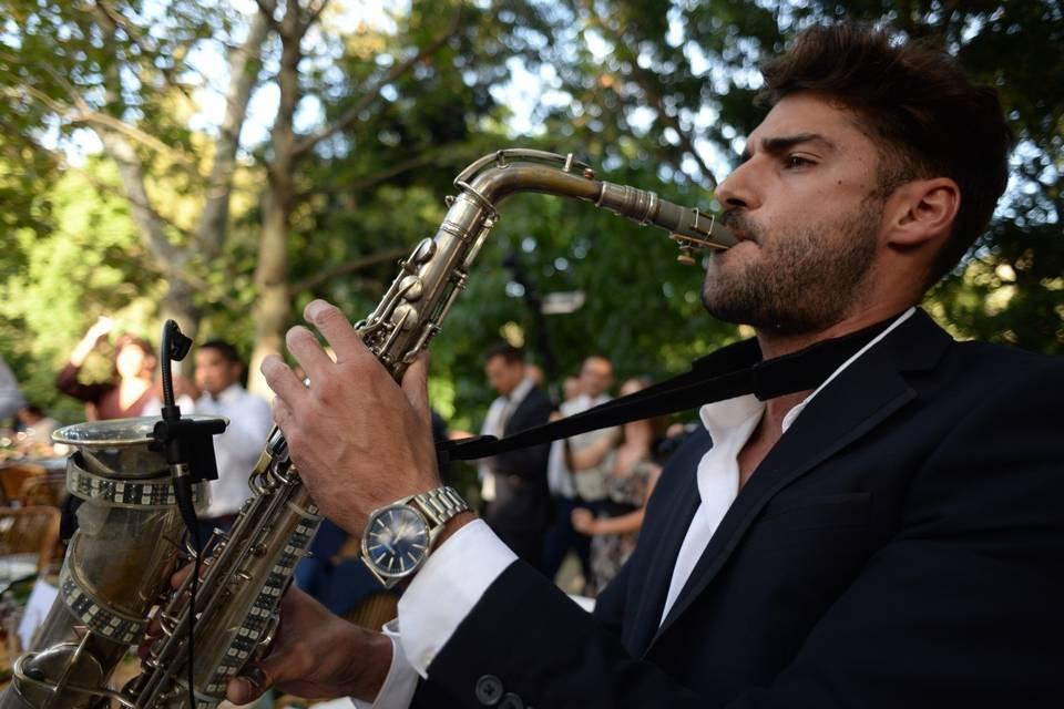Dani Vikario Saxo Live