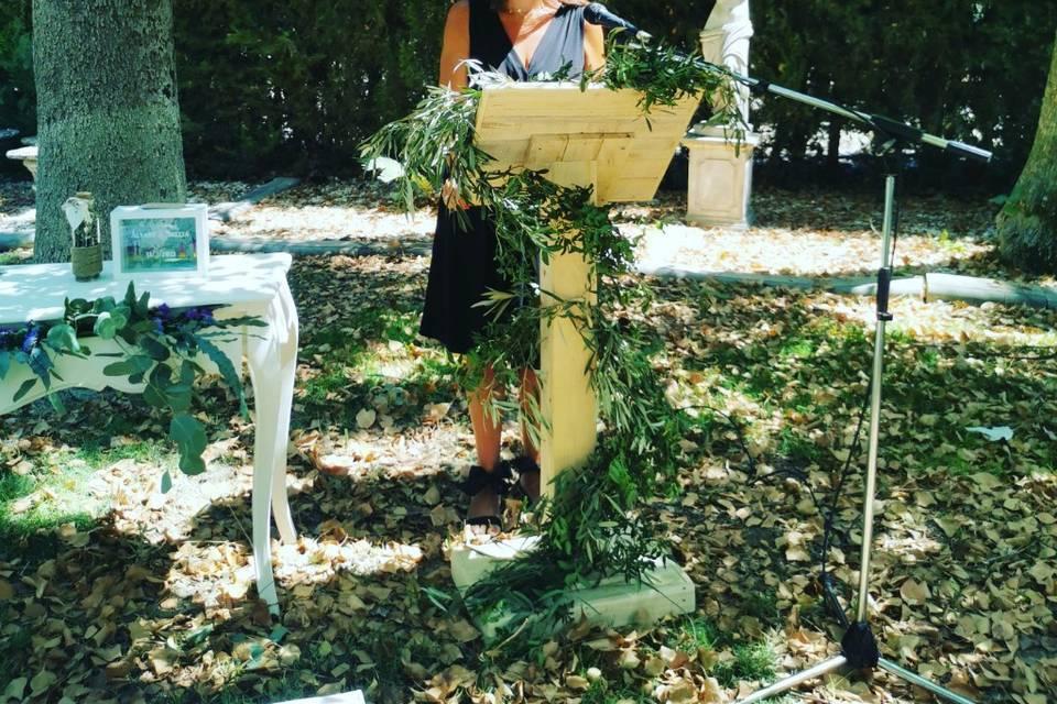 Beatriz González - Maestra de ceremonias