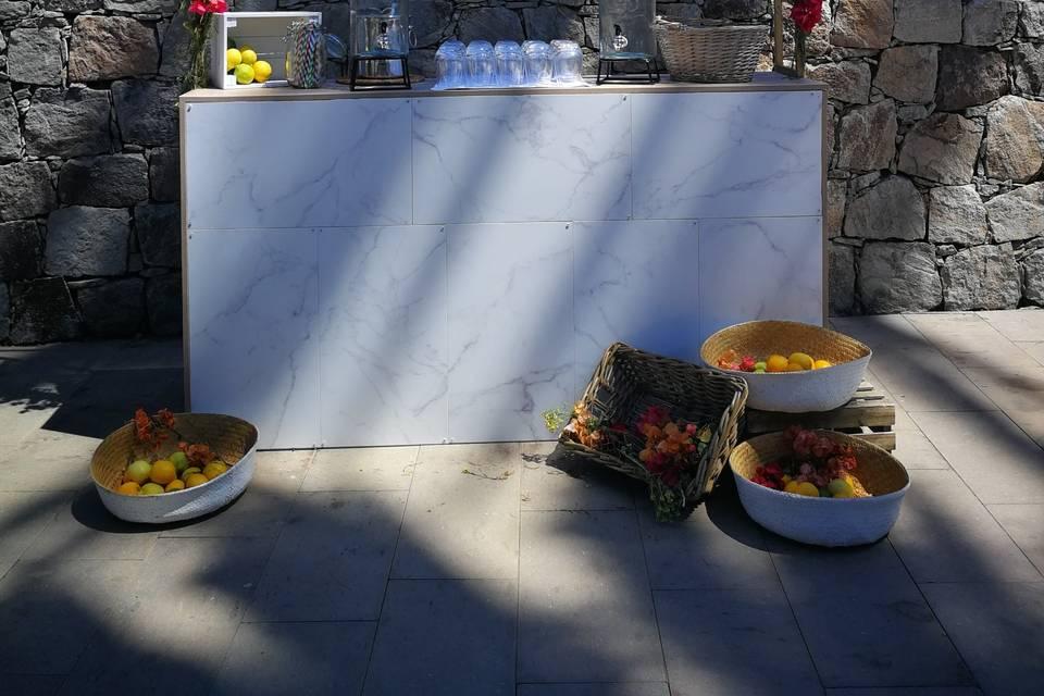 Barra de mármol de limonadas