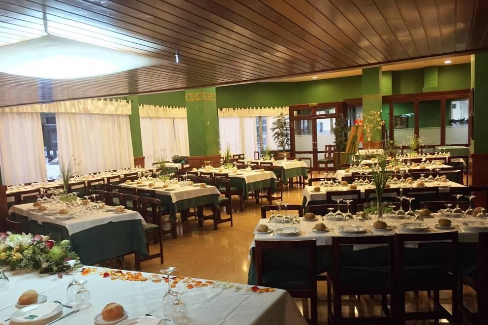 Salón verde de 50 a 130 pax