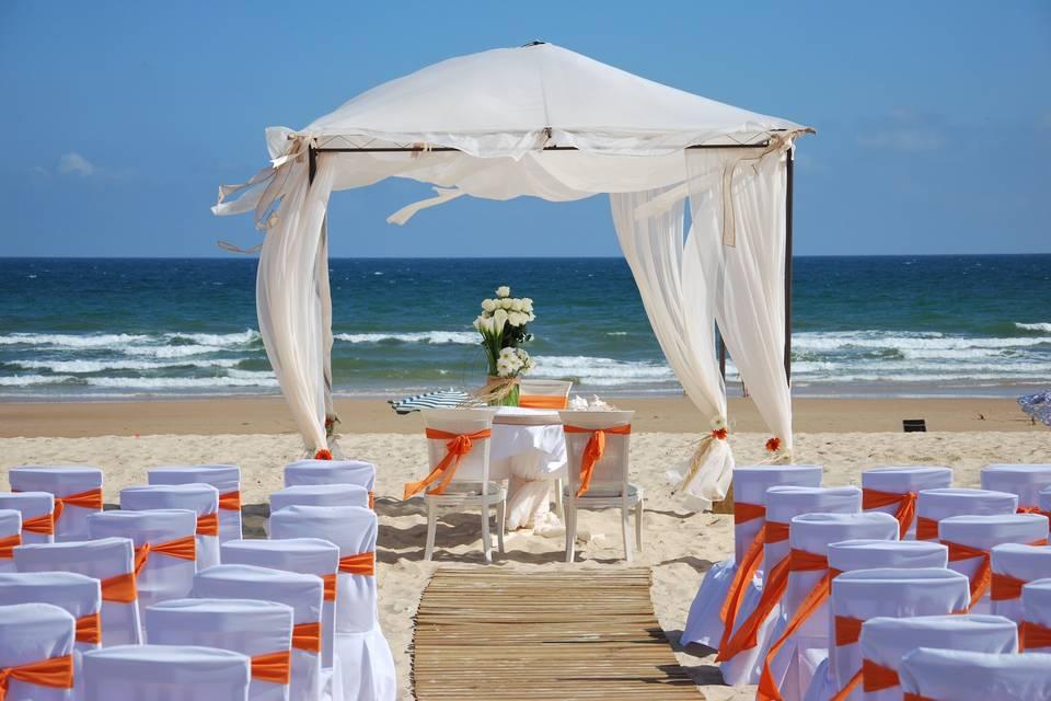 Decoración floral boda en la playa