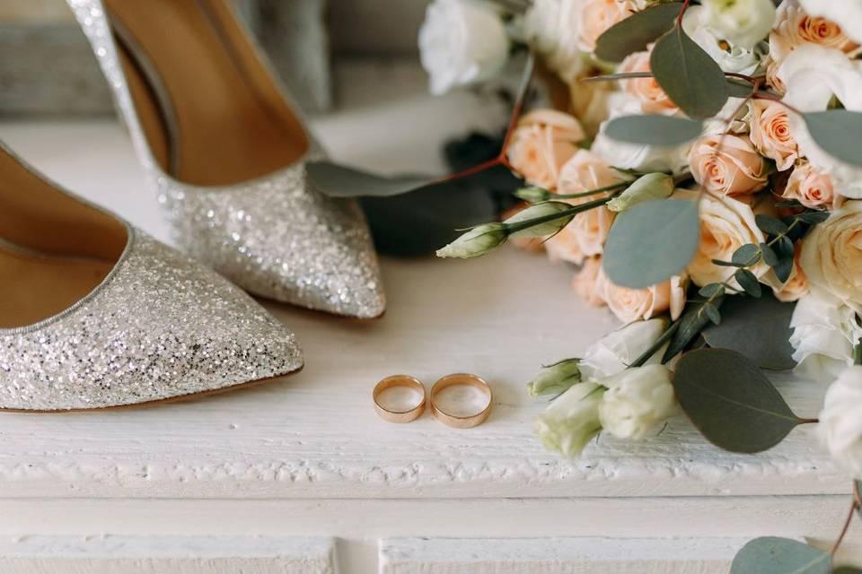 Zapatos de novia y alianzas
