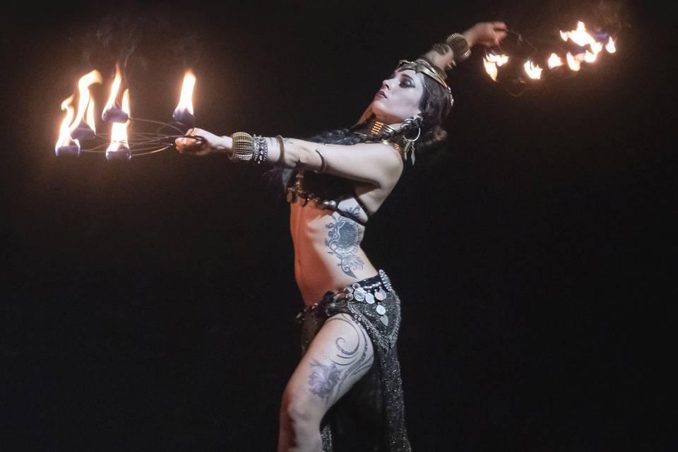 Danza del vientre y fuego