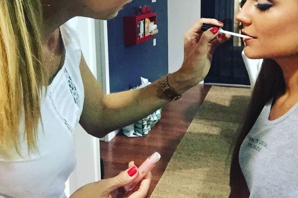 Deltoro Makeup