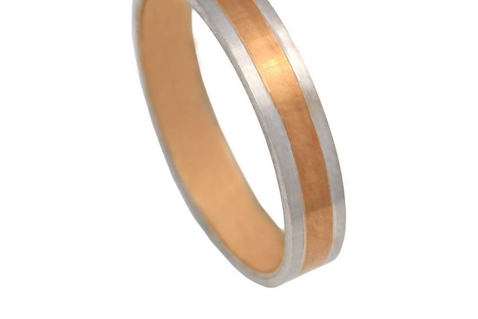 Alianza de oro rosa y oro blanco de 18 kl de 4 mm