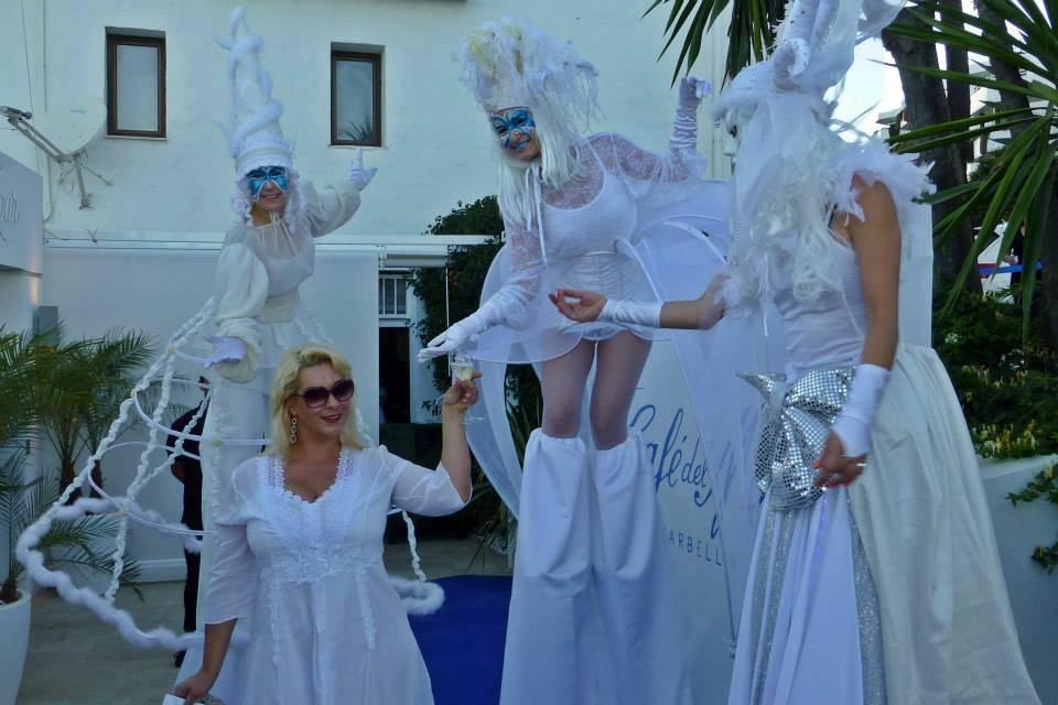 Zancos blancos elegantes