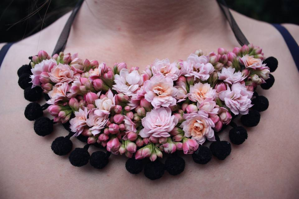 Joya floral: collar de flor