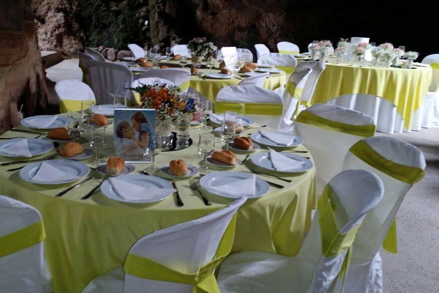 Diferentes colores de mesas
