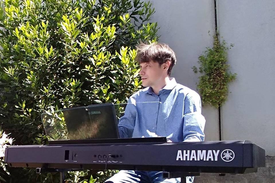 Piano: Carles Planas